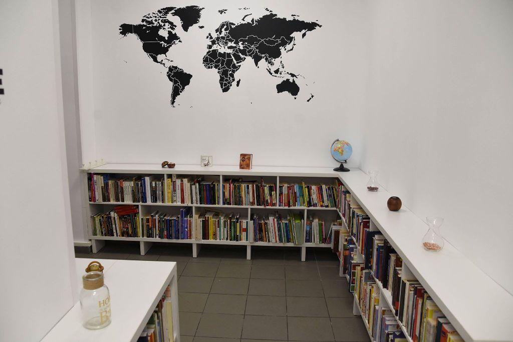 Biblioteca Emil Garleanu Biblioteca Metropolitană București